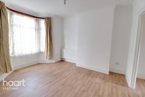 3 bedroom terraced house for sale - Eighth Avenue, London