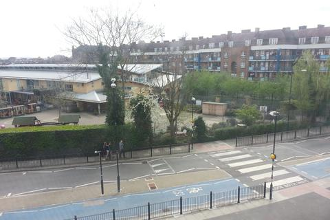 3 bedroom flat to rent - Shadwell Gardens, London E1
