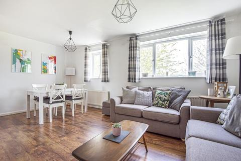 2 bedroom flat for sale - Lavric Road,  Aylesbury,  HP21