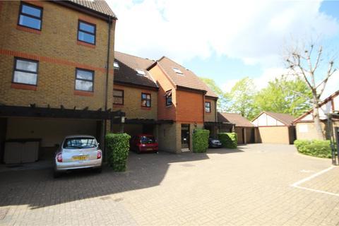 2 bedroom apartment to rent - Pursewardens Close, Ealing, W13