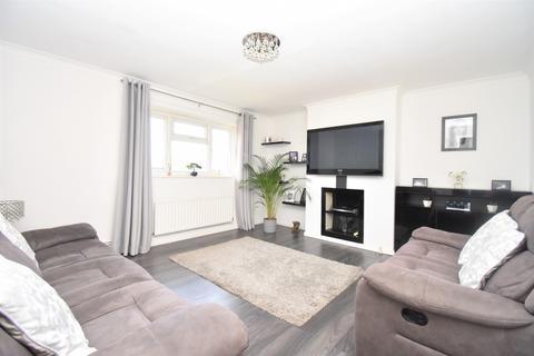 2 bedroom flat for sale - Swingate Lane London SE18
