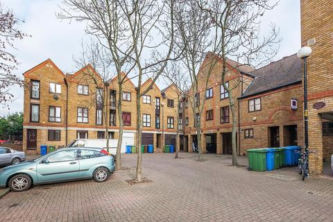 Studio to rent - Brunswick Quay, Surrey Quays, London, SE16 7PT