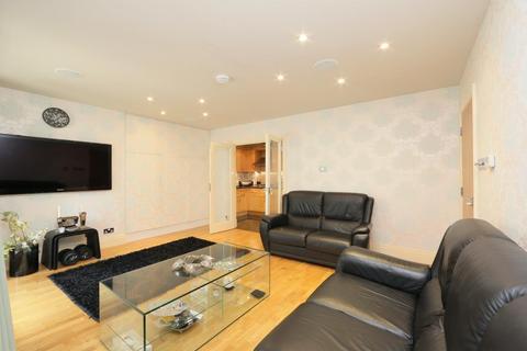 3 bedroom property for sale - WARREN HOUSE , Beckford Close, Kensington, London, W14