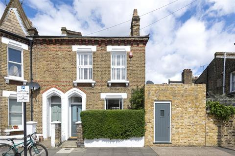 2 bedroom end of terrace house for sale - Kingsley Street, SW11