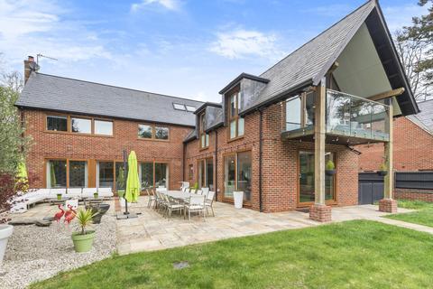 5 bedroom detached house for sale - Wellhouse Road, Beech, Alton, Hampshire, GU34