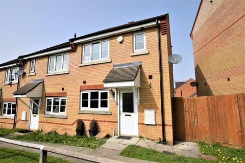 3 bedroom semi-detached house to rent - Nightingale Crescent, Harold Wood, Romford, Essex. RM3 0GD