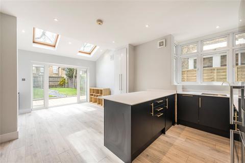 2 bedroom flat for sale - Moring Road, London, SW17