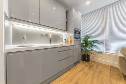 Studio to rent - Westgate House, Hanger Lane, London, W5