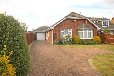 3 bedroom bungalow for sale - Milton Grove, New Milton, BH25
