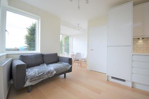 1 bedroom flat to rent - Grove Place, Acton W3 6AS