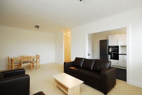 3 bedroom flat to rent - Durrels House, Warwick Gardens W14