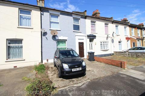 1 bedroom in a house share to rent - Eynsford Road, Seven Kings, IG3