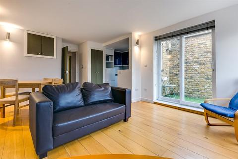 2 bedroom property to rent - East Hill, SW18