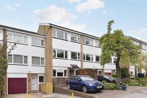 5 bedroom terraced house for sale - Limewood Close, Ealing