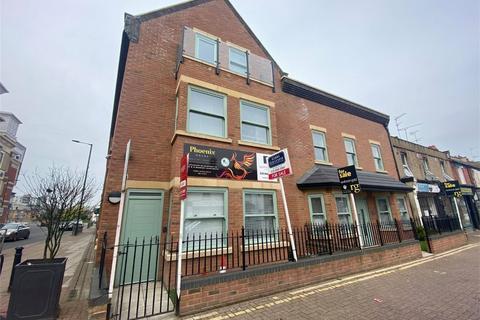 3 bedroom flat for sale - Greenhill Way, Harrow, Greater London