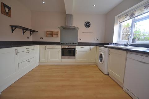 3 bedroom semi-detached house to rent - Foxhays Road, Reading