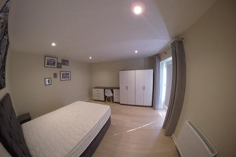 1 bedroom in a house share to rent - (3TL-1) Luxurious Double Room in a professional house share!