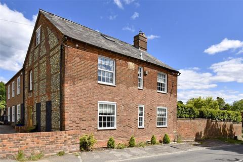 4 bedroom semi-detached house to rent - Hazlemere Road, Penn, Buckinghamshire, HP10