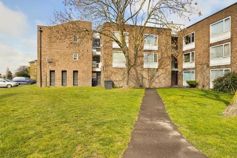 Studio for sale - Fleetwood Court, Douglas Road, Stanwell, TW19