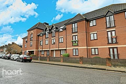 2 bedroom flat for sale - Riverdene Road, Ilford