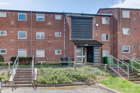 1 bedroom flat for sale - Mainstone Close, Winyates East, Redditch B98 0PP