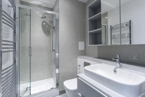 2 bedroom flat to rent - Wales Farm Road, London, W3