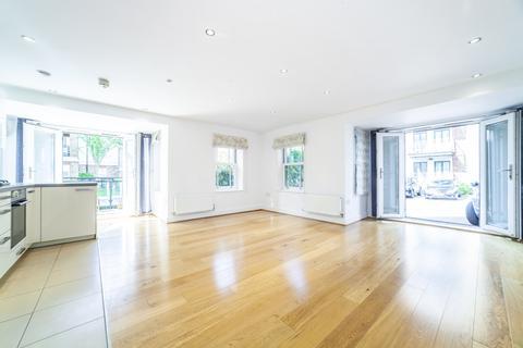 2 bedroom ground floor flat to rent - Holford Way, Roehampton, SW15