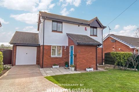 3 bedroom detached house for sale - Llys Eirlys, Rhyl