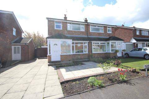 3 bedroom semi-detached house to rent - Evesham Close, Stockton Heath, Warrington, WA4