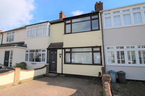 3 bedroom terraced house to rent - Linley Crescent, Romford