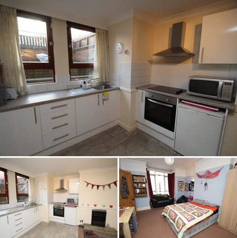 3 bedroom terraced house to rent - Brudenell Avenue, Hyde Park, Leeds