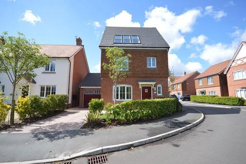 4 bedroom detached house for sale - Connaught Crescent, Widnes