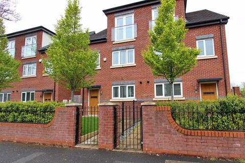 4 bedroom semi-detached house for sale - Kingswood Road, Prestwich, Manchester