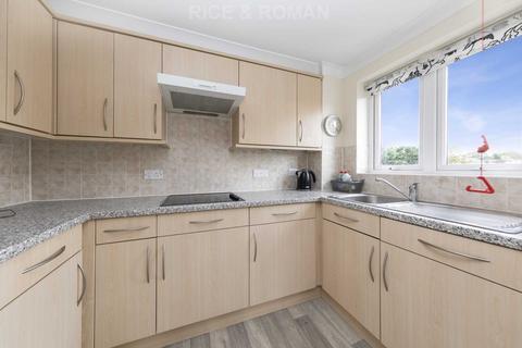2 bedroom retirement property for sale - Kingston Road, Epsom