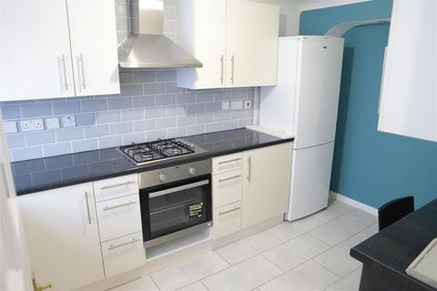 1 bedroom in a house share to rent - The Crescent, Slough