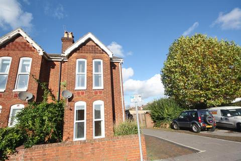 3 bedroom semi-detached house to rent - Grantham Road, Eastleigh