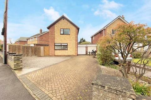 3 bedroom detached house for sale - Lowfield Road, Beverley