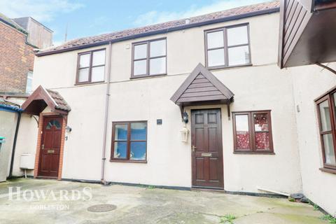 1 bedroom flat for sale - High Street, Gorleston