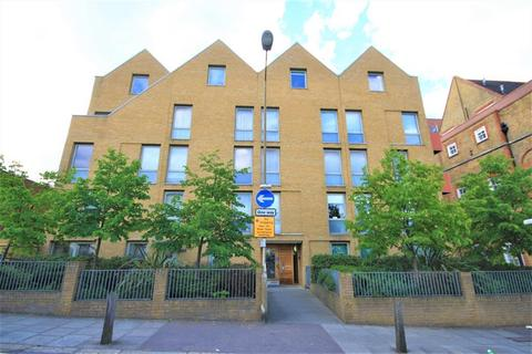 2 bedroom flat to rent - School House Yard , Bloomfield Road, Woolwich, SE18 7JD