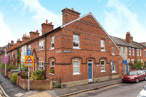 3 bedroom end of terrace house to rent - School Terrace, Reading, Berkshire, RG1
