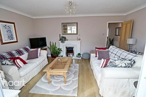 3 bedroom detached bungalow for sale - The Crescent, Bracebridge Heath