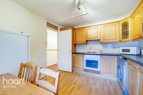 4 bedroom flat for sale - Strasburg Road, London