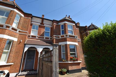 Studio to rent - Bevington Road Beckenham BR3