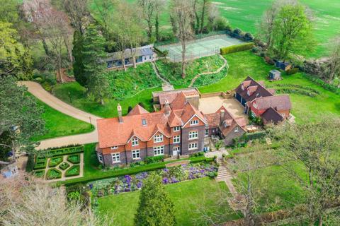 7 bedroom detached house for sale - Luton Road, St Albans, Hertfordshire