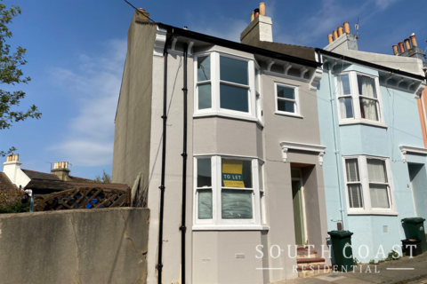 2 bedroom terraced house to rent - Belton Road, Brighton