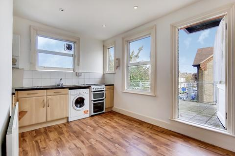 4 bedroom flat to rent - Portland Mansions, Portland Road, London, SE25