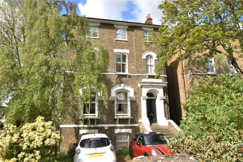 3 bedroom flat for sale - Kidbrooke Park Road, Blackheath, London, SE3