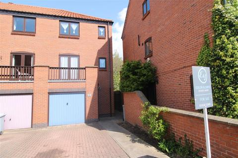 3 bedroom townhouse for sale - Brewers Wharf, Newark