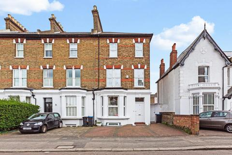6 bedroom end of terrace house to rent - South Park Road, London SW19