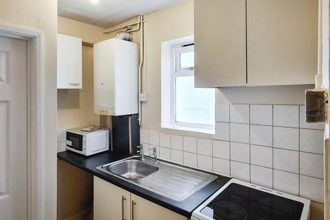 Studio to rent - Stanstead Road, Catford, SE64TZ